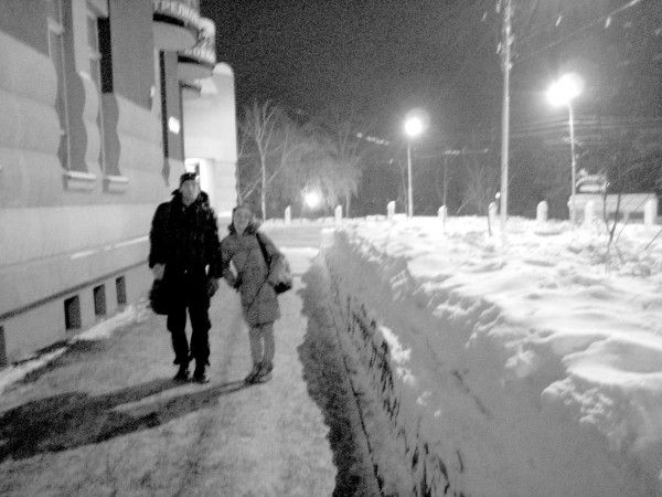 05_Anton_and_Lu_a_lot_of_snow_in_Samara