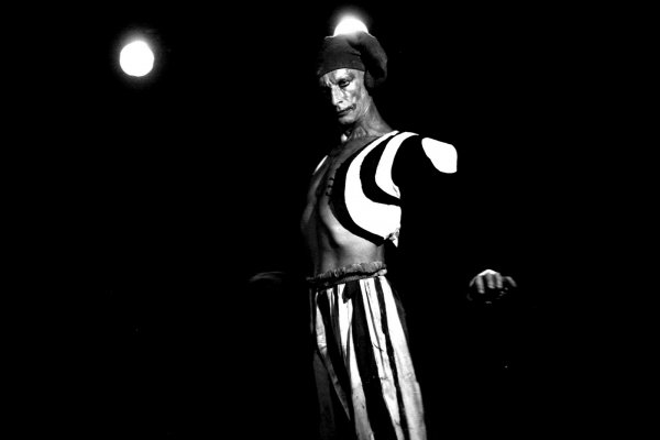 From new DEREVO show HARLEKIN. Photo - Isolde Matkey